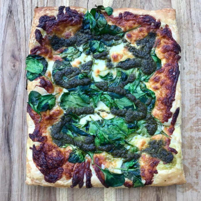 Pesto, spinach Pizza