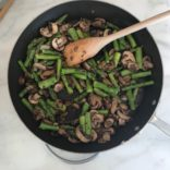 1 skillet chicken with mushrooms and asparagus