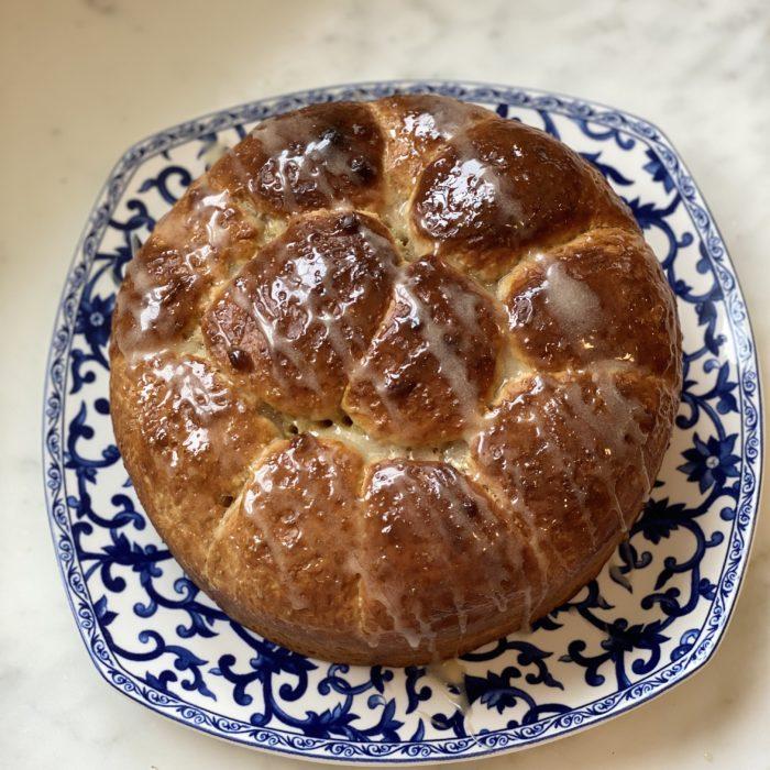 Easter cinnamon buns
