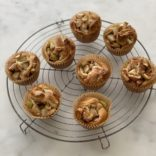Apples cinnamon muffins rolls