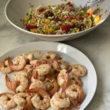 Shrimps and farro salad