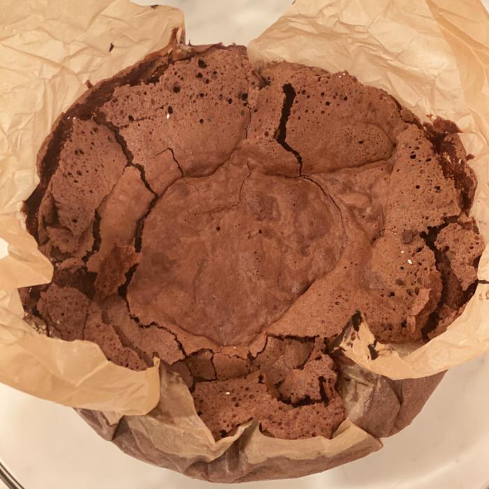Giant molten chocolate cake