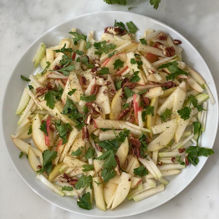 Apple Kohlrabi salad