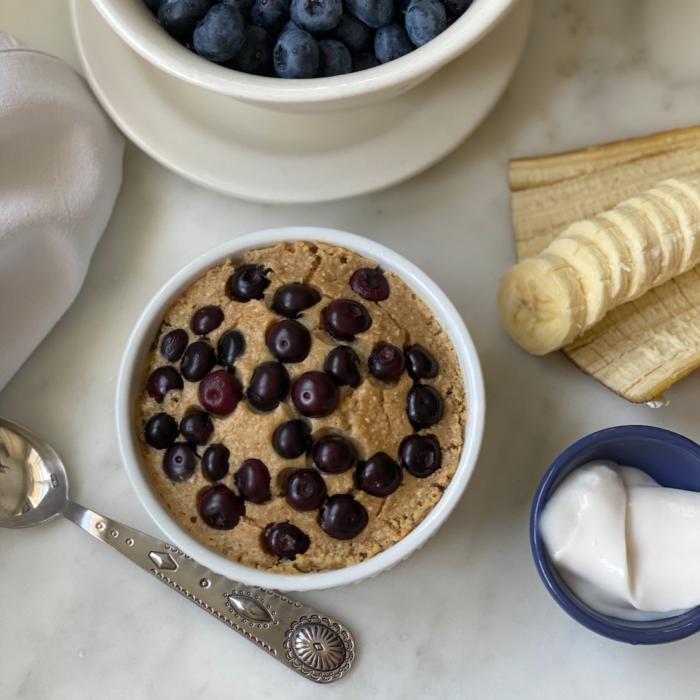 Banana blueberry oat breakfast cake