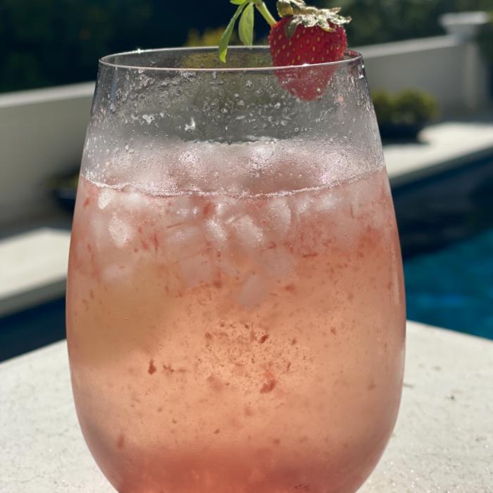 Strawberry basil spritz