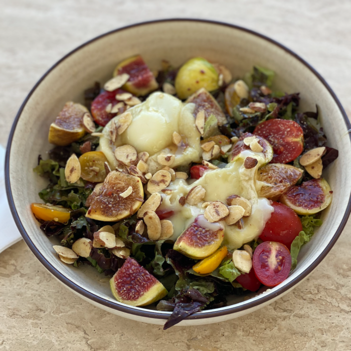 Melted goat cheese and fig salad