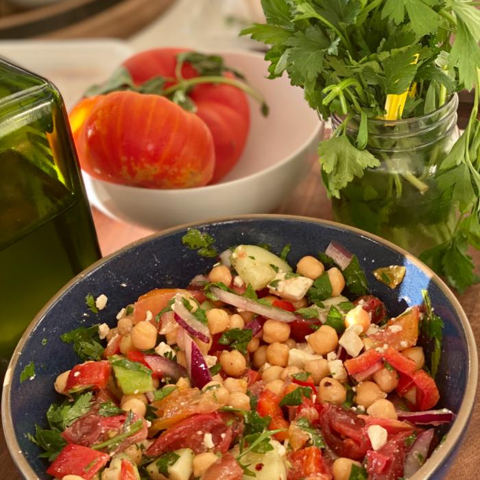 Chickpea salad Greek style